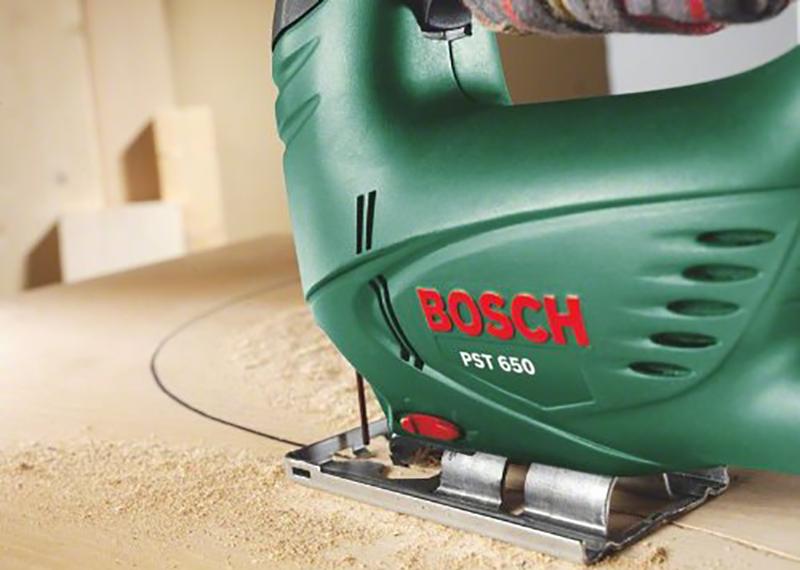 Bosch Scie sauteuse Easy PST 650 avec coffret et 1 lame 06033A0700