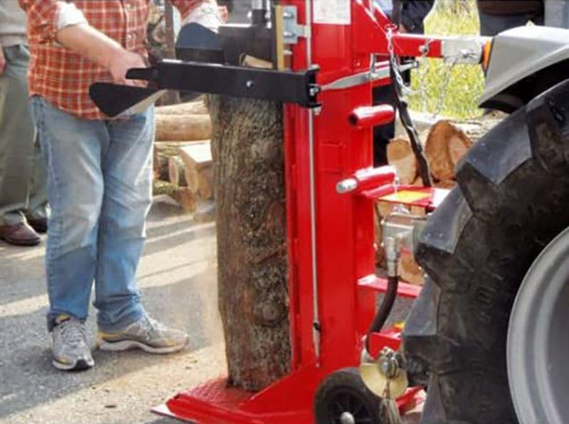 test Fendeuse de buche sur prise de force Woodline - 16 tonnes